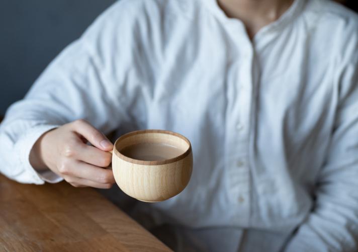 天然素材製RIVERETのコーヒーカップ